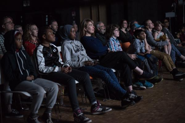 Maunula-film premiere, audience